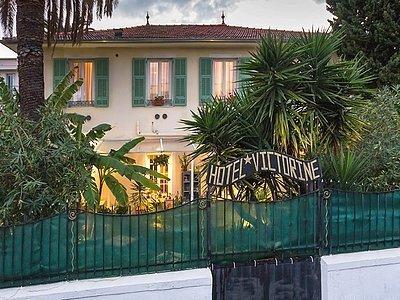 Villa victorine c te d 39 azur france villa victorine for Au jardin de victorine nice