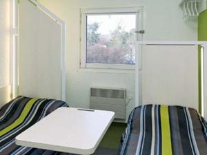 f1 antibes sophia antipolis f1 antibes sophia antipolis. Black Bedroom Furniture Sets. Home Design Ideas