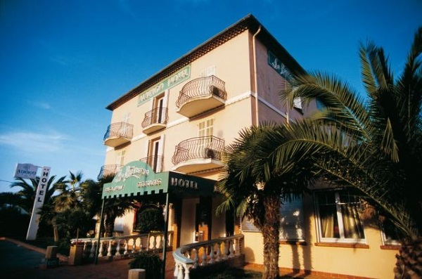 Albergo l 39 c te d 39 azur france albergo l 39 - Office de tourisme saint laurent du var ...