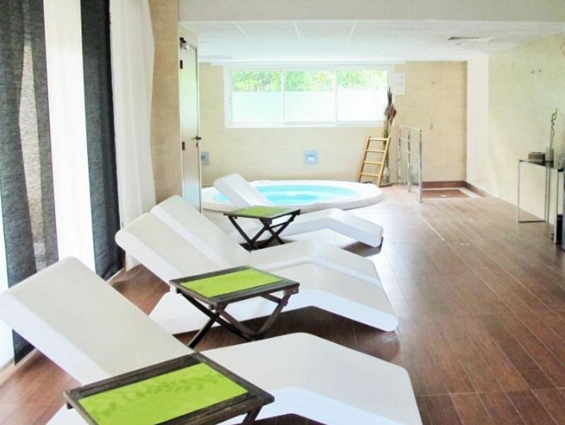 spa du mimozas resort cannes spa du mimozas resort cannes. Black Bedroom Furniture Sets. Home Design Ideas