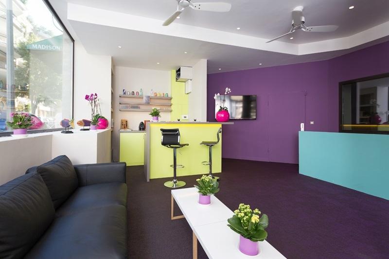 maison blanche la c te d 39 azur france maison blanche la. Black Bedroom Furniture Sets. Home Design Ideas
