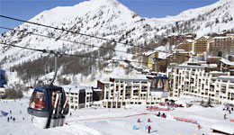 Isola 2000 skiing resort